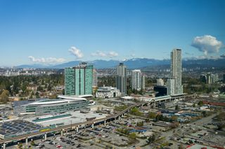 "Photo 21: 4706 13696 100 Avenue in Surrey: Whalley Condo for sale in ""Park Avenue"" (North Surrey)  : MLS®# R2360087"