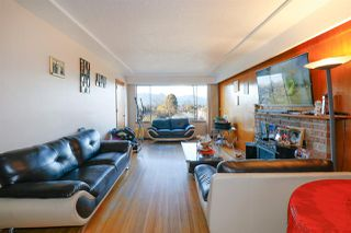 Photo 3: 2864 E 22ND Avenue in Vancouver: Renfrew Heights House for sale (Vancouver East)  : MLS®# R2364835