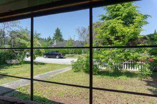Photo 3: 5769 MERMAID Street in Sechelt: Sechelt District House for sale (Sunshine Coast)  : MLS®# R2378039