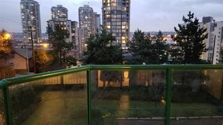"Photo 15: 302 121 TENTH Street in New Westminster: Uptown NW Condo for sale in ""VISTA ROYALE"" : MLS®# R2387306"