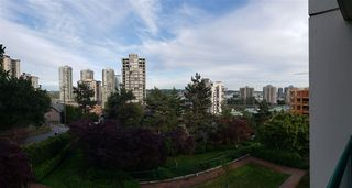 "Photo 2: 302 121 TENTH Street in New Westminster: Uptown NW Condo for sale in ""VISTA ROYALE"" : MLS®# R2387306"