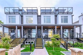 Photo 2: 5067 EARLES Street in Vancouver: Collingwood VE Townhouse for sale (Vancouver East)  : MLS®# R2402851