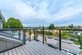 Photo 18: 5067 EARLES Street in Vancouver: Collingwood VE Townhouse for sale (Vancouver East)  : MLS®# R2402851