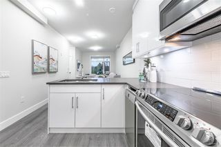 Photo 7: 5067 EARLES Street in Vancouver: Collingwood VE Townhouse for sale (Vancouver East)  : MLS®# R2402851
