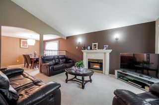 Photo 4: 8490 140 Street in Surrey: Bear Creek Green Timbers House for sale : MLS®# R2413990