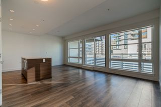 "Photo 10: 509 3488 SAWMILL Crescent in Vancouver: South Marine Condo for sale in ""3 TOWN CENTRE"" (Vancouver East)  : MLS®# R2423057"