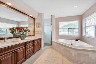 Photo 13: 2965 ROBSON Drive in Coquitlam: Westwood Plateau House for sale : MLS®# R2449185