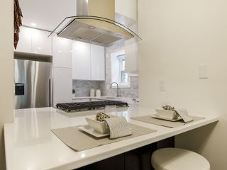 Photo 13: 2433 W 6TH Avenue in Vancouver: Kitsilano Townhouse for sale (Vancouver West)  : MLS®# R2477689