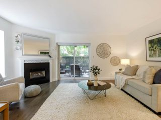 Photo 4: 2433 W 6TH Avenue in Vancouver: Kitsilano Townhouse for sale (Vancouver West)  : MLS®# R2477689
