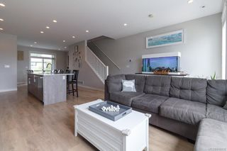 Photo 6: 939 Pharoah Mews in Langford: La Florence Lake Row/Townhouse for sale : MLS®# 843436