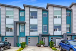 Photo 1: 939 Pharoah Mews in Langford: La Florence Lake Row/Townhouse for sale : MLS®# 843436
