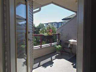 """Photo 12: 304 1999 SUFFOLK Avenue in Port Coquitlam: Glenwood PQ Condo for sale in """"Key West"""" : MLS®# R2480090"""
