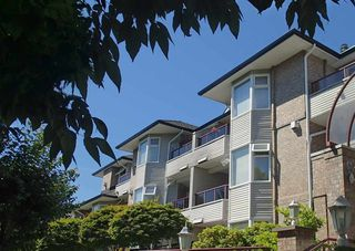 "Main Photo: 304 1999 SUFFOLK Avenue in Port Coquitlam: Glenwood PQ Condo for sale in ""Key West"" : MLS®# R2480090"