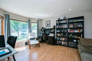 Photo 15: 3614 SIERRA MORENA Road SW in Calgary: Signal Hill Detached for sale : MLS®# A1031157
