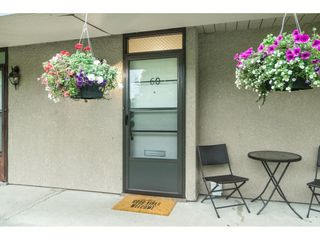 """Photo 5: 60 17710 60 Avenue in Surrey: Cloverdale BC Townhouse for sale in """"CLOVER PARK GARDENS"""" (Cloverdale)  : MLS®# R2501232"""