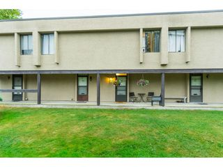 """Photo 3: 60 17710 60 Avenue in Surrey: Cloverdale BC Townhouse for sale in """"CLOVER PARK GARDENS"""" (Cloverdale)  : MLS®# R2501232"""