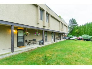 """Photo 4: 60 17710 60 Avenue in Surrey: Cloverdale BC Townhouse for sale in """"CLOVER PARK GARDENS"""" (Cloverdale)  : MLS®# R2501232"""