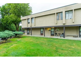 """Photo 2: 60 17710 60 Avenue in Surrey: Cloverdale BC Townhouse for sale in """"CLOVER PARK GARDENS"""" (Cloverdale)  : MLS®# R2501232"""