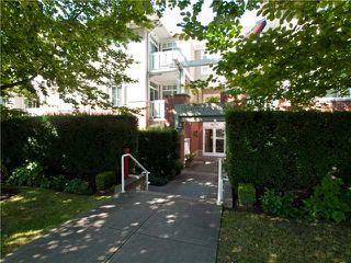 "Photo 1: 209 1675 W 10TH Avenue in Vancouver: Fairview VW Condo for sale in ""NORFOLK HOUSE"" (Vancouver West)  : MLS®# V908365"