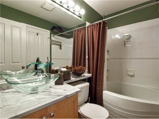 """Photo 9: 209 1675 W 10TH Avenue in Vancouver: Fairview VW Condo for sale in """"NORFOLK HOUSE"""" (Vancouver West)  : MLS®# V908365"""