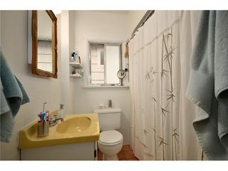 "Photo 7: 2004 E 8TH Avenue in Vancouver: Grandview VE House for sale in ""COMMERCIAL DRIVE"" (Vancouver East)  : MLS®# V910126"