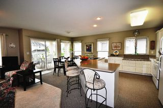 """Photo 2: 34733 PAKENHAM Place in Mission: Hatzic House for sale in """"Riverbend Estates"""" : MLS®# F1125828"""