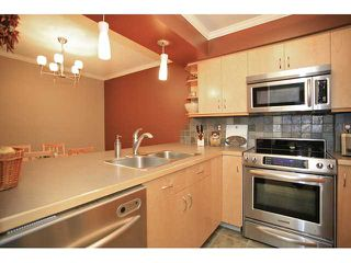 "Photo 5: 109 932 ROBINSON Street in Coquitlam: Coquitlam West Condo for sale in ""The Shaughnesy"" : MLS®# V924268"