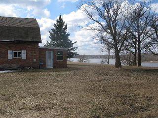 Photo 1: 32 GREWINSKI Drive in Lac Du Bonnet: Residential for sale (Lac du Bonnet)  : MLS®# 1108535