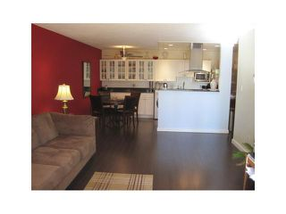 Photo 2: 102 410 AGNES Street in New Westminster: Downtown NW Condo for sale : MLS®# V977078