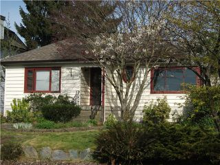 Photo 1: 1719 LONDON Street in New Westminster: West End NW House for sale : MLS®# V1003114