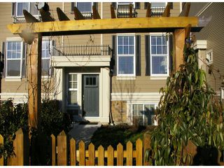"Photo 2: 21139 80TH Avenue in Langley: Willoughby Heights Townhouse for sale in ""YORKVILLE"" : MLS®# F1401445"