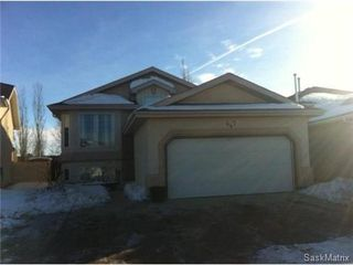 Main Photo: 447 Guenter Bay in Saskatoon: Arbor Creek Single Family Dwelling for sale (Saskatoon Area 01)  : MLS®# 487746