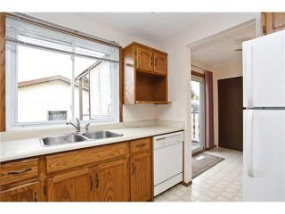 Photo 3: 3439 30A Avenue SE in Calgary: West Dover House for sale : MLS®# C3647470