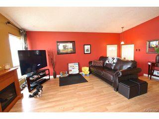 Photo 2: 220 Red River Boulevard in WINNIPEG: West Kildonan / Garden City Residential for sale (North West Winnipeg)  : MLS®# 1506279