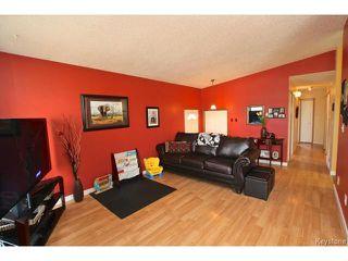 Photo 6: 220 Red River Boulevard in WINNIPEG: West Kildonan / Garden City Residential for sale (North West Winnipeg)  : MLS®# 1506279