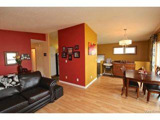 Photo 3: 220 Red River Boulevard in WINNIPEG: West Kildonan / Garden City Residential for sale (North West Winnipeg)  : MLS®# 1506279