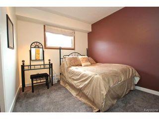 Photo 12: 220 Red River Boulevard in WINNIPEG: West Kildonan / Garden City Residential for sale (North West Winnipeg)  : MLS®# 1506279