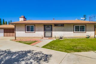 Photo 4: LEMON GROVE House for sale : 2 bedrooms : 8351 Golden Ave