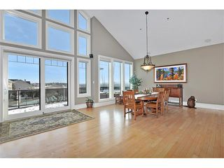 Photo 12: 18 DISCOVERY VISTA Point(e) SW in Calgary: Discovery Ridge House for sale : MLS®# C4018901