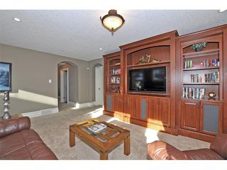 Photo 15: 18 DISCOVERY VISTA Point(e) SW in Calgary: Discovery Ridge House for sale : MLS®# C4018901