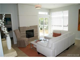 Photo 4: 402 1540 Belcher Ave in VICTORIA: Vi Jubilee Condo Apartment for sale (Victoria)  : MLS®# 711918