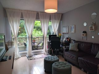 "Photo 6: 103 225 MOWAT Street in New Westminster: Uptown NW Condo for sale in ""THE WINDSOR"" : MLS®# R2070108"