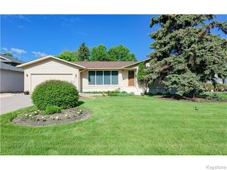 Photo 2: 680 Community Row in Winnipeg: Charleswood Residential for sale (South Winnipeg)  : MLS®# 1614494