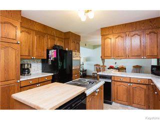 Photo 11: 680 Community Row in Winnipeg: Charleswood Residential for sale (South Winnipeg)  : MLS®# 1614494
