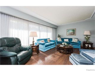 Photo 6: 680 Community Row in Winnipeg: Charleswood Residential for sale (South Winnipeg)  : MLS®# 1614494