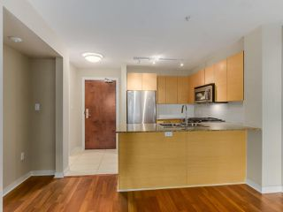 Photo 6: 106 5665 IRMIN Street in Burnaby: Metrotown Condo for sale (Burnaby South)  : MLS®# R2101253