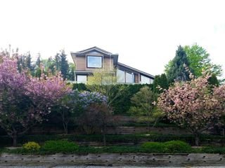 "Photo 1: 35880 GRAYSTONE Drive in Abbotsford: Abbotsford East House for sale in ""Sumas Mountain"" : MLS®# R2102263"