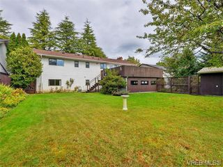 Photo 19: 1863 Penshurst Road in VICTORIA: SE Gordon Head Single Family Detached for sale (Saanich East)  : MLS®# 370454