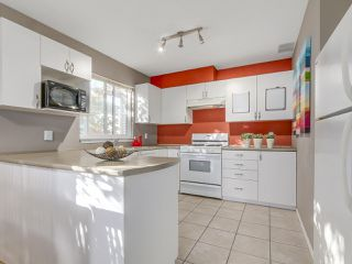 Photo 16: 1749 E 13TH Avenue in Vancouver: Grandview VE House 1/2 Duplex for sale (Vancouver East)  : MLS®# R2115872