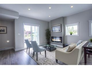 Photo 1: 124 2737 Jacklin Road in VICTORIA: La Langford Proper Townhouse for sale (Langford)  : MLS®# 373350